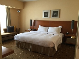 HILTON SUITE BED ROOM.JPG